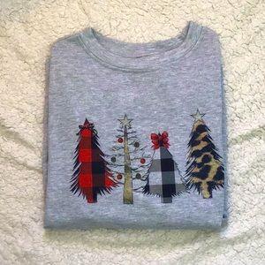 Tops - ⭐️Adorable Christmas Tree🎄Sweatshirt